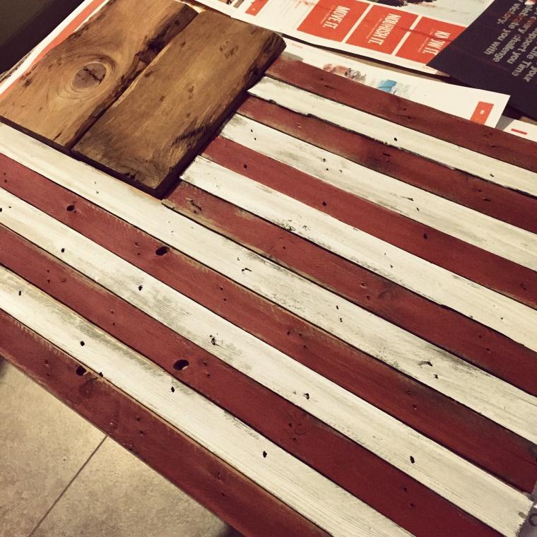 DIY rustic American flag. Jenniferrobertusdesign