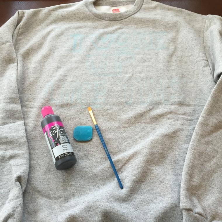 DIY Beyonce-Inspired Sweatshirt & Outfit Inspiration-- jenniferrobertusdesign