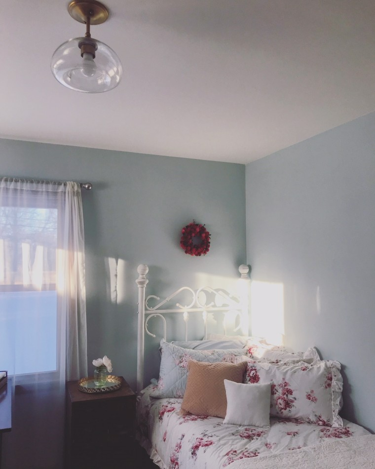 How to Style a Simple Pretty Bedroom | Style & the Suburbs