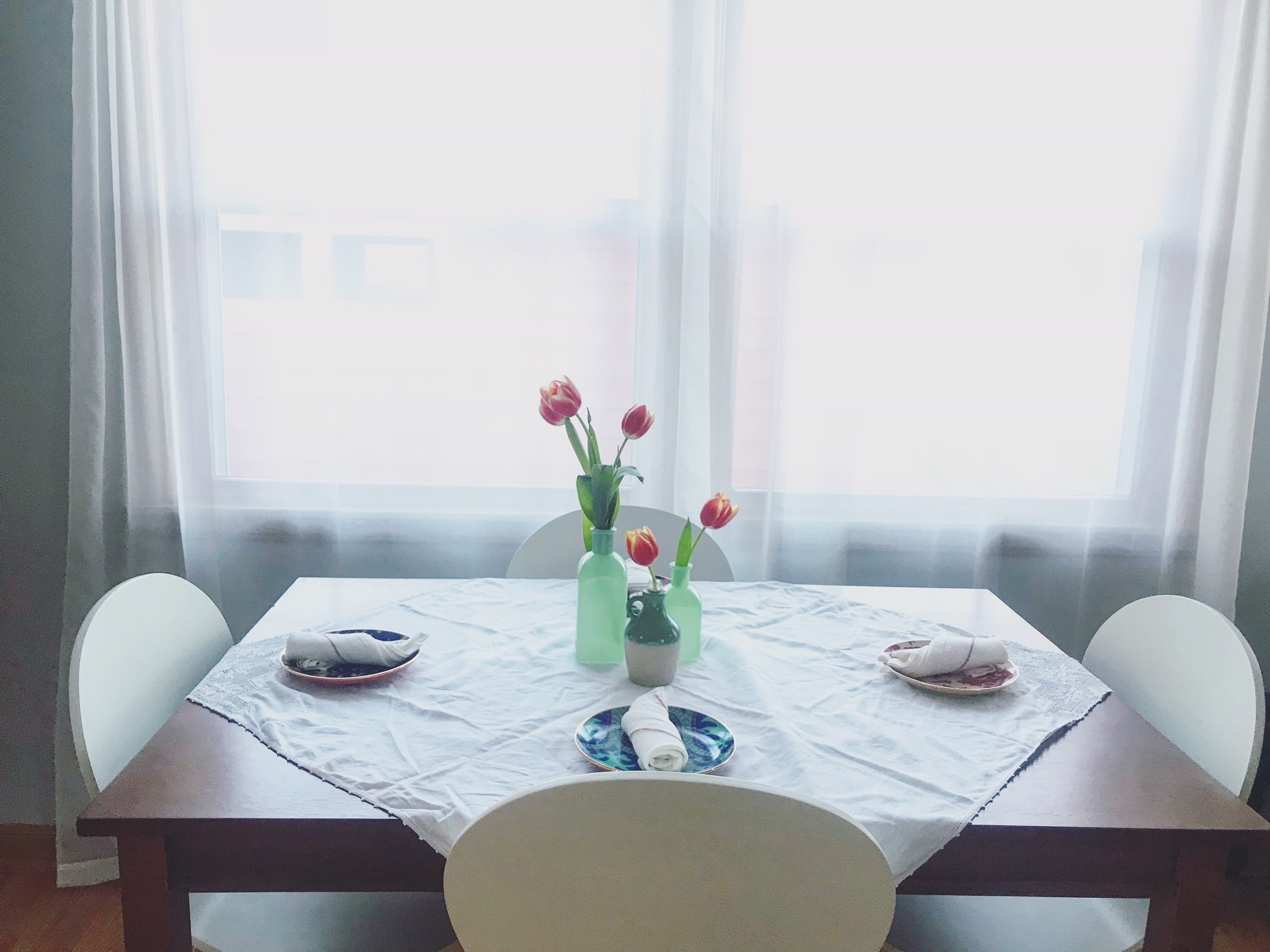 What I'm Loving: Green Vases and Fresh Flowers | Style & the Suburbs