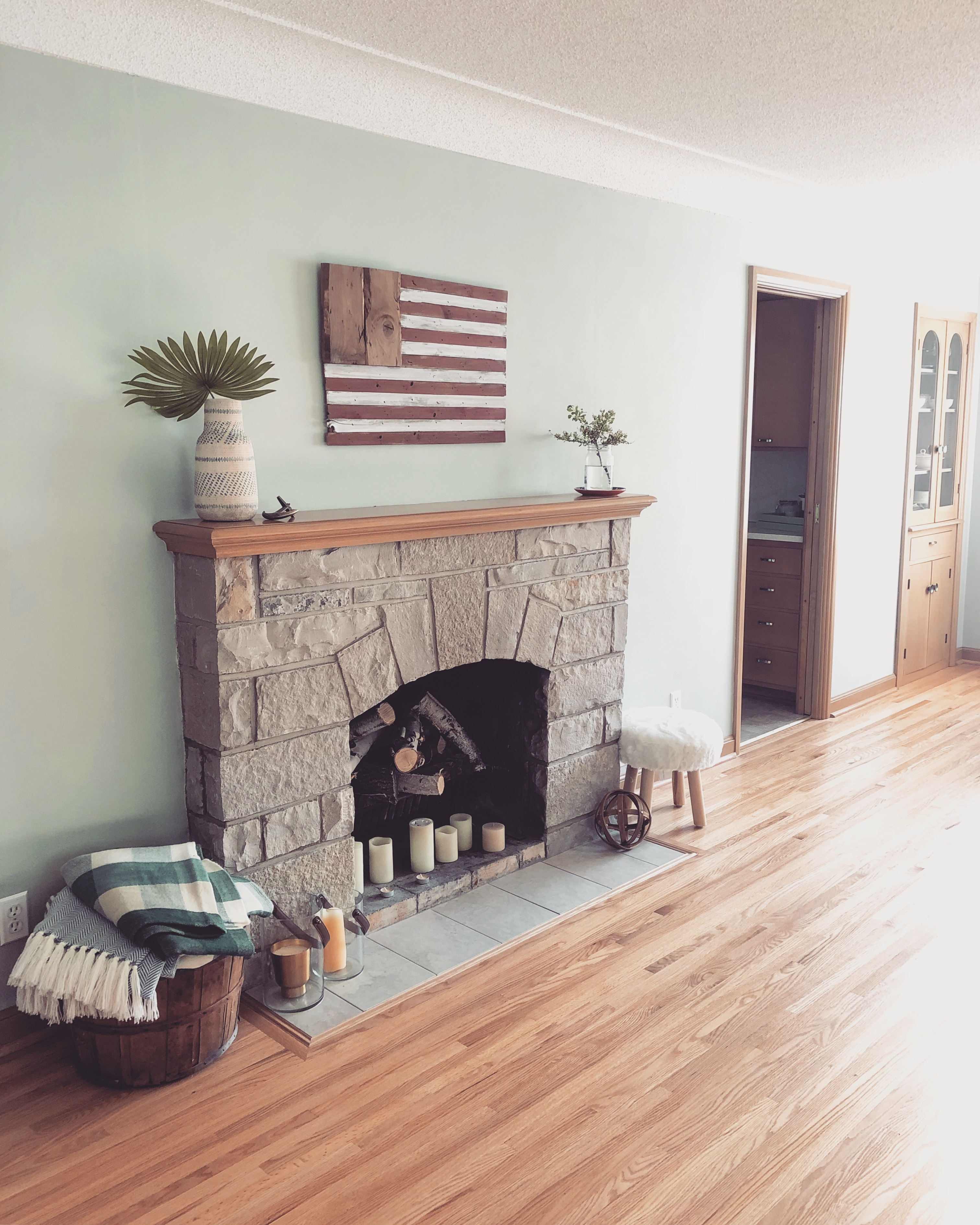Pretty Vintage-Inspired Livingroom Style   Style & the Suburbs