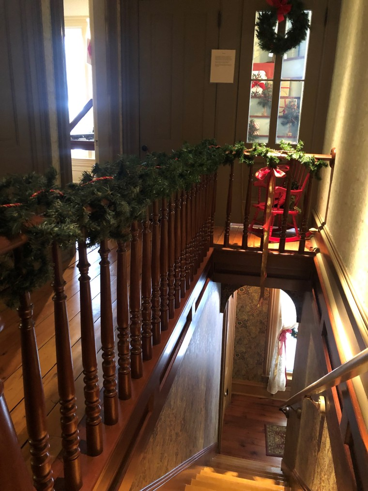 Historic Burwell House Holiday Tour | Style & the Suburbs