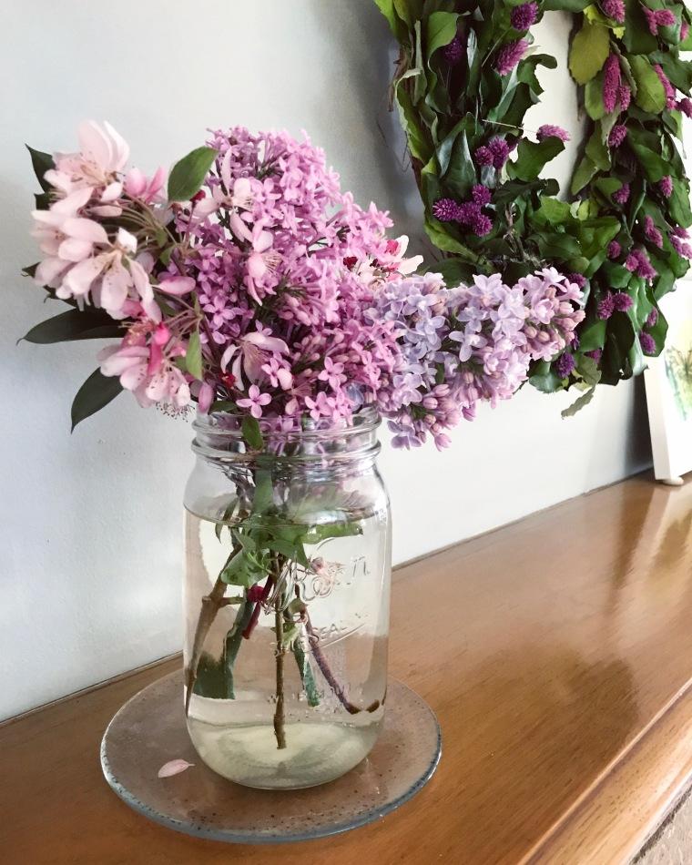 What I'm Loving: DIY Flower Arrangements   Style & the Suburbs
