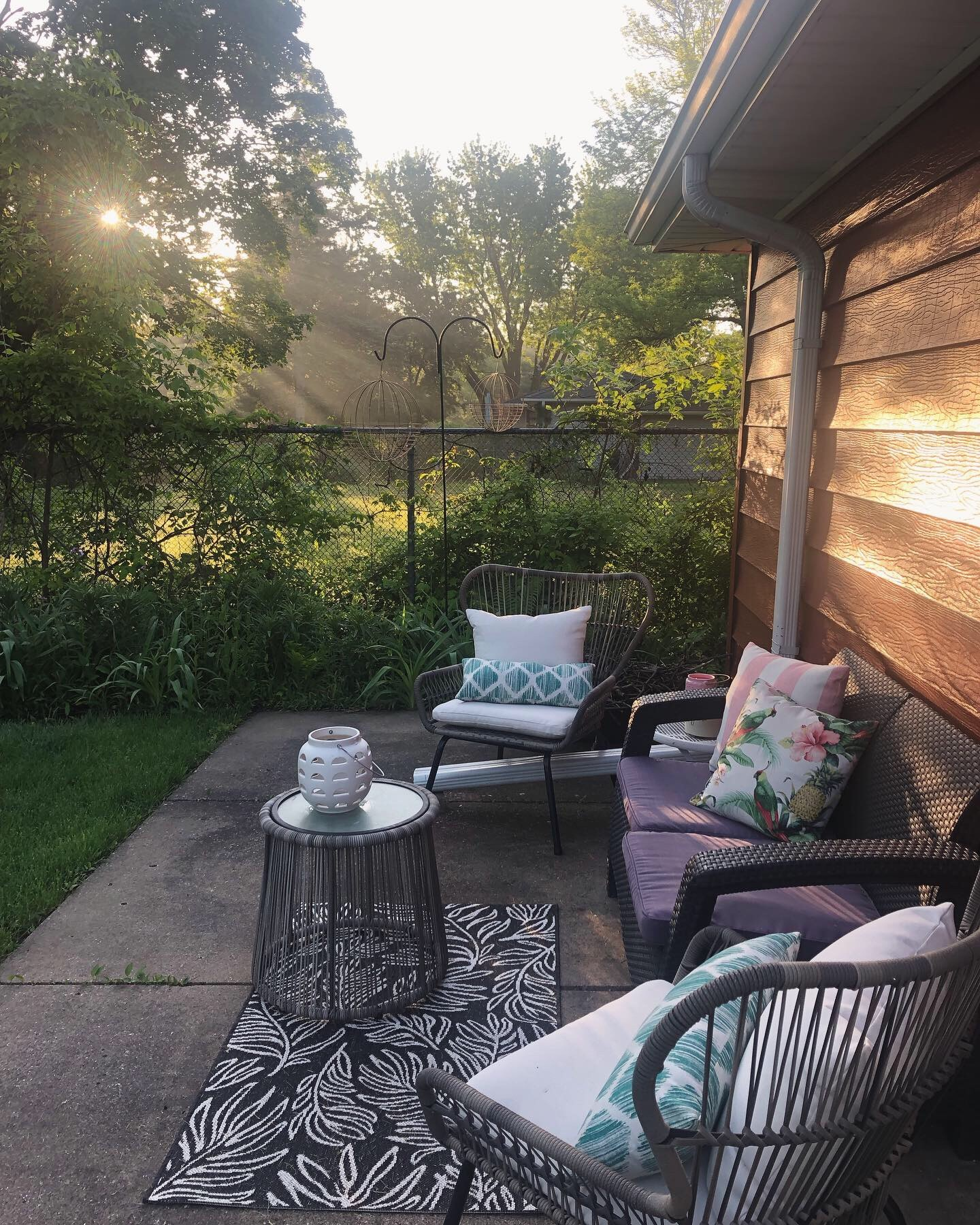 Tour My Summer Outdoor Decor   Style & the Suburbs