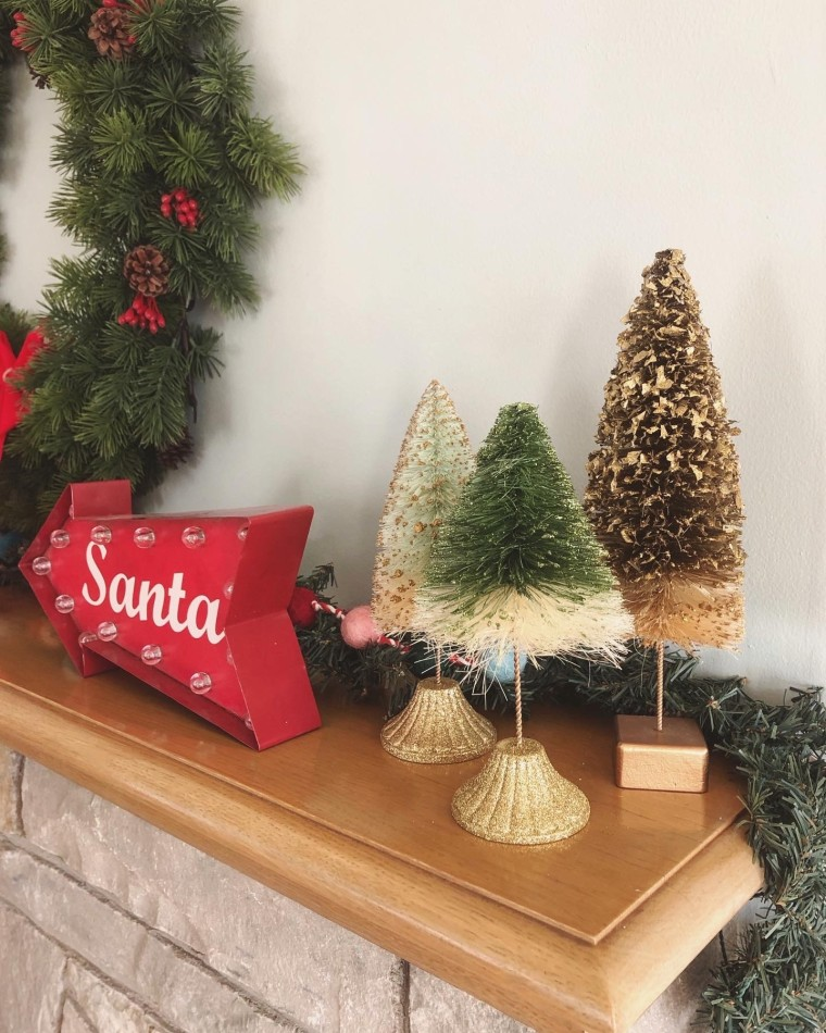 My Holiday Mantle Decor | Style & the Suburbs